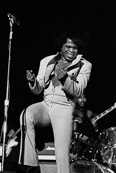 400px-James_Brown_Live_Hamburg_1973_1702730029